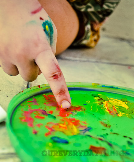 Activity For Toddlers Painting With Cotton Swabs And